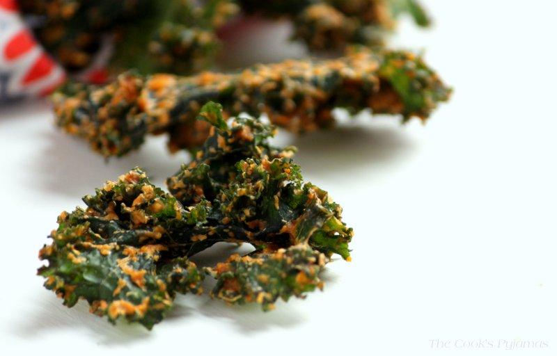 Cheesy' Vegan Kale Chips