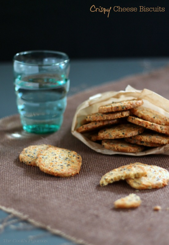 Crispy Cheese Biscuits | thecookspyjamas.com