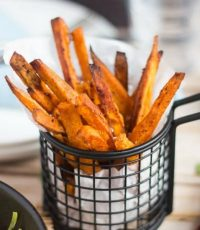 How To Easily Make Your Own Crispy Sweet Potato Chips