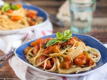 Super Quick & Easy Roasted Cherry Tomato Pasta Sauce