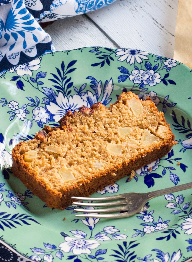 This Apple & Ginger Wholemeal Loaf Cake makes great use of seasonal apples. It is lovely and moist, and is good for dessert with cream.