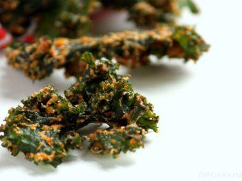 'Cheesy' Vegan Kale Chips