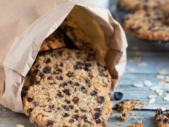 Currant & Cocoa Nib Wholegrain Cookies in under 30 Minutes