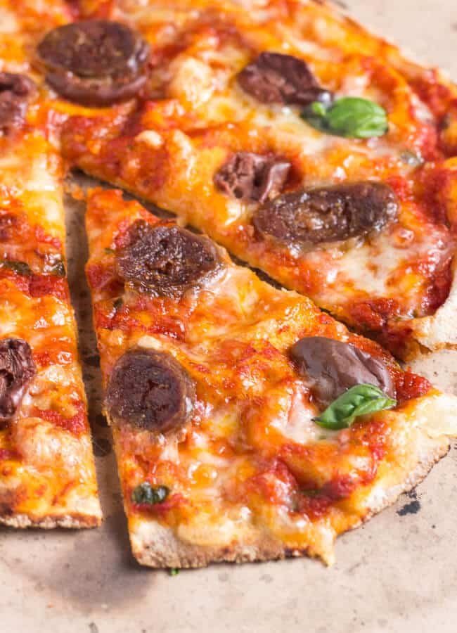 Flatbread Pizza Recipe in 15 Minutes. With a really simple flatbread pizza recipe, a frugal yet healthy meal is never far way.
