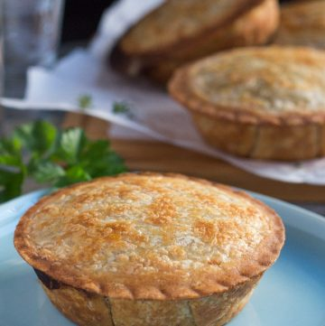 Mushroom and Ham Pies with Kamut & Spelt Crust. A tasty pie filling that pairs wellw ith the wholegrain crust. | thecookspyjamas.com