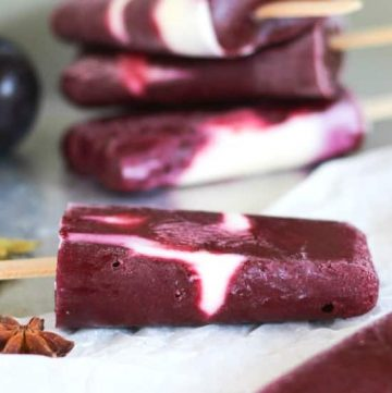 Spiced Plum & Yoghurt Popsicles. A guilt free breakfast in popsicle form.