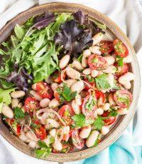 An Astoundingly Easy Tomato & White Bean Salad Recipe